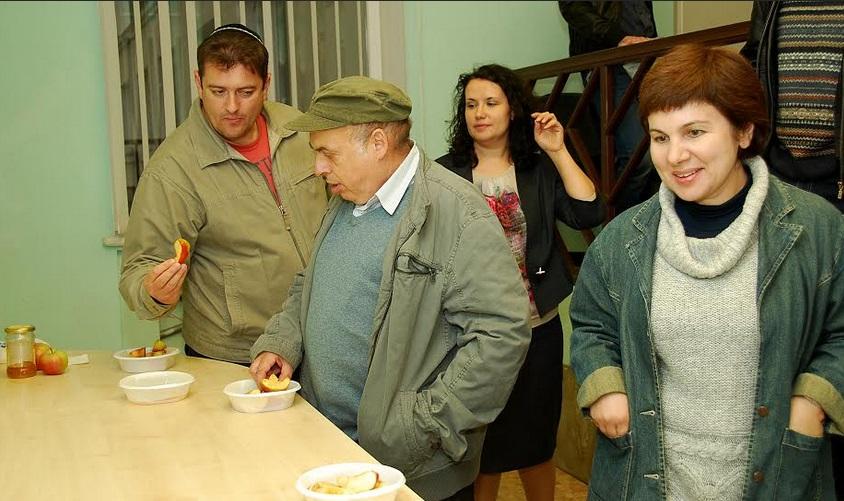 как познакомится с беженцами с украины