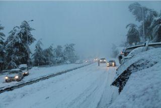 снегопад в Израиле на трассе Тель-Авив-Иерусалим, фото Киев еврейский