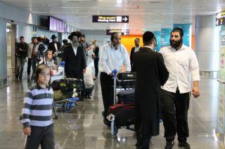 аэропорт Борисполь, паломничество хасидов, фото Киев еврейский